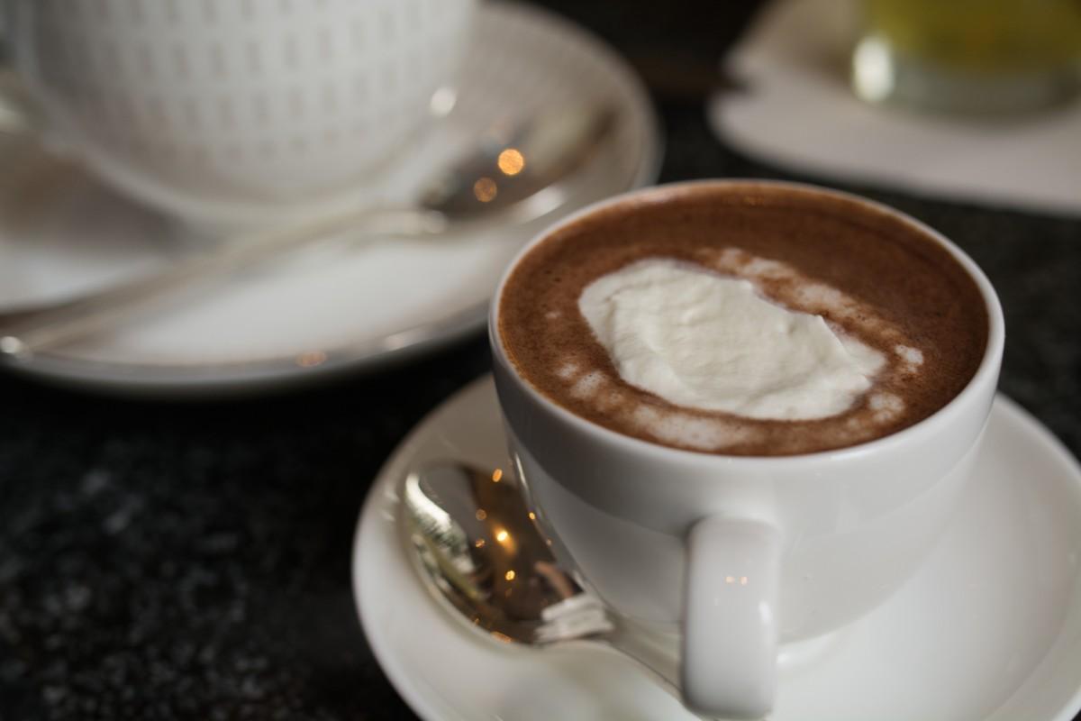 カカオが上品に香るホットチョコレート